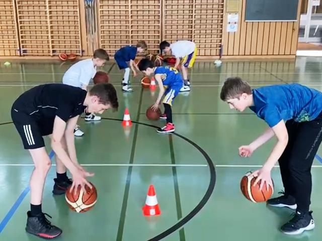 https://versoix-basket.ch/wp-content/uploads/2021/04/versoix-basket-camps-paques-21-01.jpg